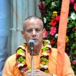 Srila-Prabhupada-Vyasa-Puja-2013-10