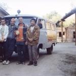 122 Преданные возле знаменитого автобуса Харе Кришна