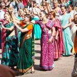 110 Танцы перед сценой фестиваля