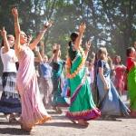 136 Кришнаитские танцы в эстрадном театре