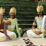 Игра в кости, где Дурьодхана и Шакуни обманывают Юдхиштиру и Пандавов