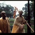 CT15-134 Morning walk.New York, 1972